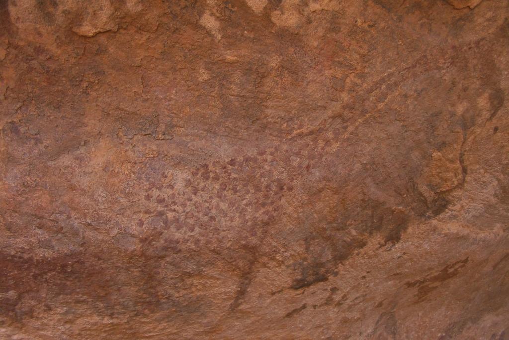 Pintura rupestre de jirafa en Ouadane