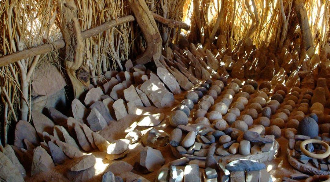 Tienda de objetos encontrados en la estructura de Richat