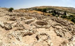 Investigan restos de aldea de 11,600 años en Chipre.